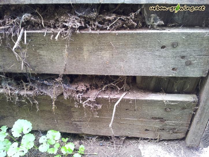 kompostkasten aus europaletten gartentipps survival tips. Black Bedroom Furniture Sets. Home Design Ideas