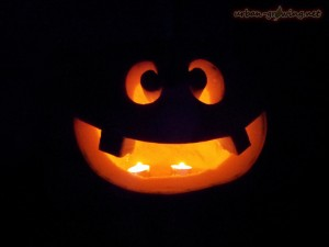 Wie mache ich einen Halloween Kürbis - www.urban-growing.net