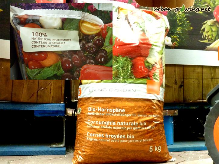 Hornspäne als Stickstofflieferant zählen zum organischen Dünger - www.urban-growing.net