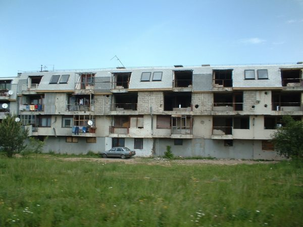 block-at-sarajevo- Photo by Karoly Feher - www.urban-growing.net - copyright Volker Truckenmueller